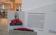 Exposição sobre a trajetória de dom Paulo chega a Santo Amaro