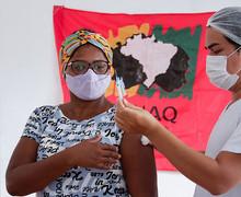 Apesar de ser grupo prioritário, somente 24% da comunidade quilombola foi totalmente vacinada