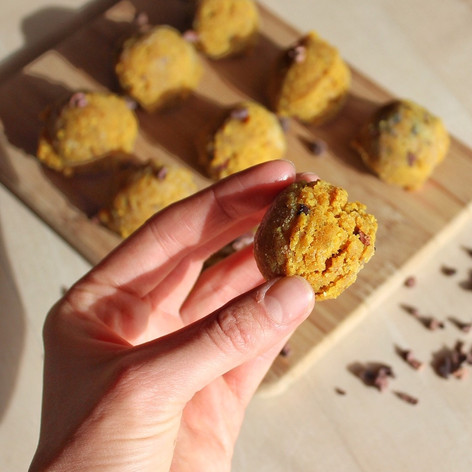 Golden Spice Nut Balls