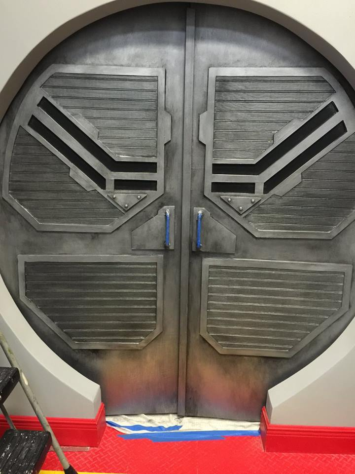 CUSTOM DOORWAY METALLIC