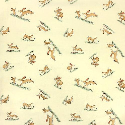 SALE Зайцы и зайчишки в бегах на ванильном фоне от от Clothworks