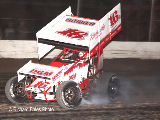 Shebester wins OCRS main at Thunderbird with final lap pass