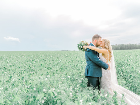 Featured - Dan & Ashley's Real Wedding - Chloe Photo