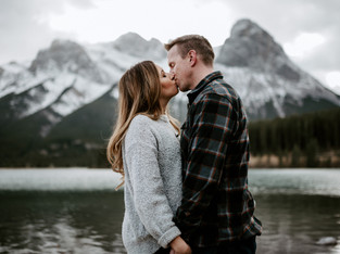 Cozy in Canmore - Amber & Patrick - Calgary Engagement Photographer