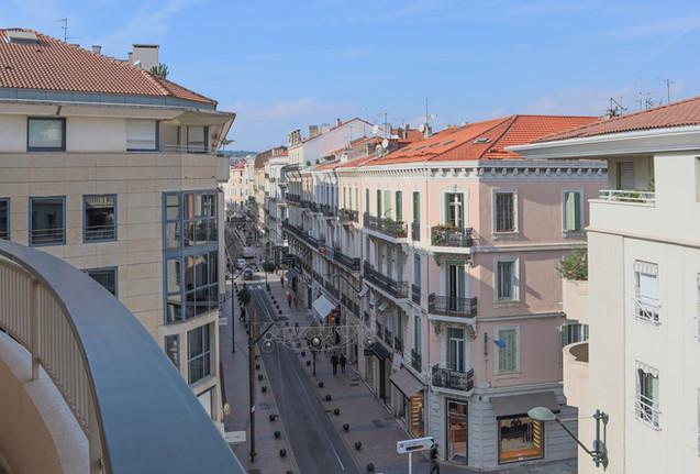 External, Cannes