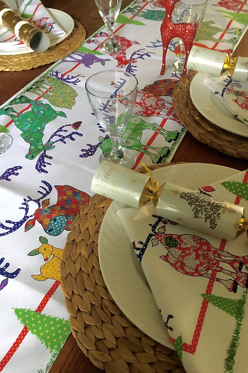 Reindeer Sleigh Bells Ring | Table Runner