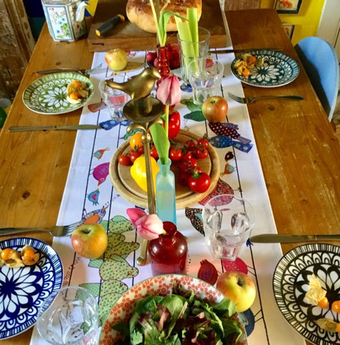 Why the Woman who Invented the Table Runner was a Genius!