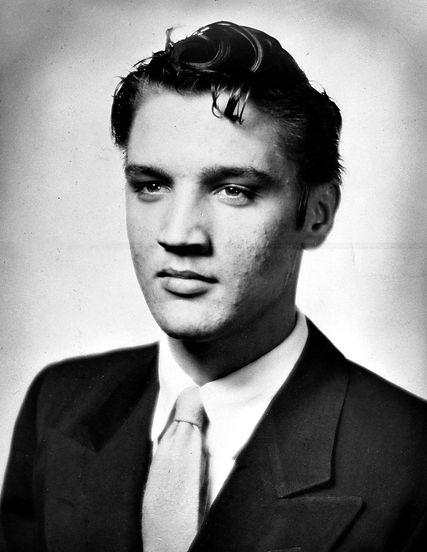 Humes High 1953 graduation photo.jpg