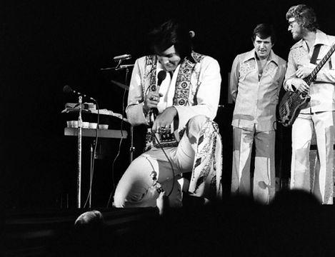 November 30, 1976. Anaheim, CA.  Photographed by Elaine Christan (1).jpg