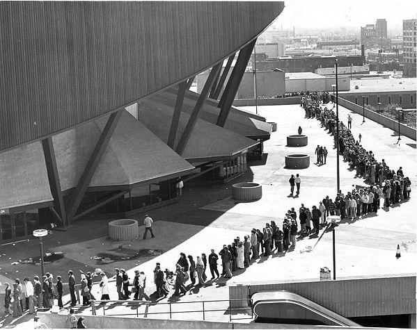 Fans line up outside Market Square Arena. June 26, 1977.