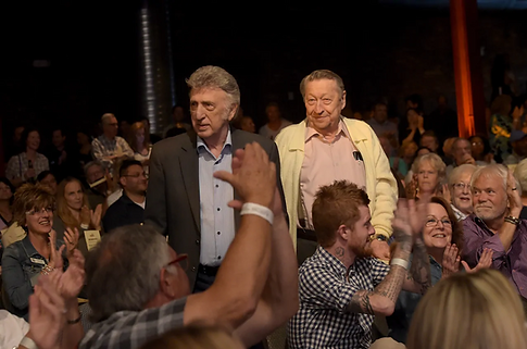 Fontana and Scotty Moore are applauded a