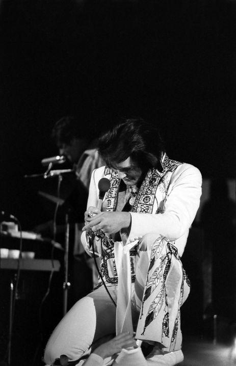 November 30, 1976. Anaheim, CA.  Photographed by Elaine Christan (5).jpg