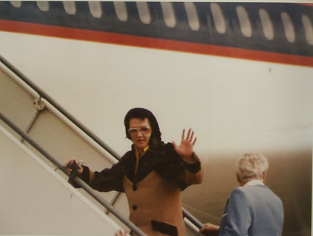 1976-04-22 - Boarding the Lisa Marie on