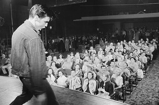 Gladys and Vernon visiting the Paramount 4th row at the right