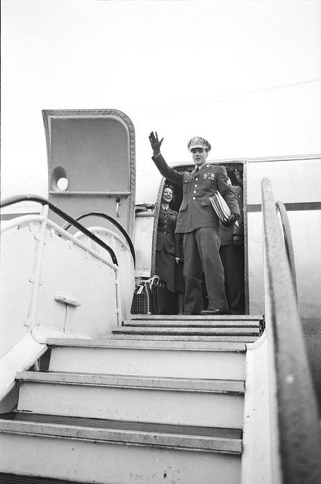 Frankfurt March 3, 1960: Sgt. Elvis Presley — leaves Rhein Main airport bound for USA