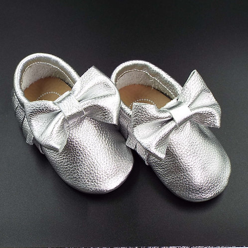 Leather Bow Moccasin - Silver