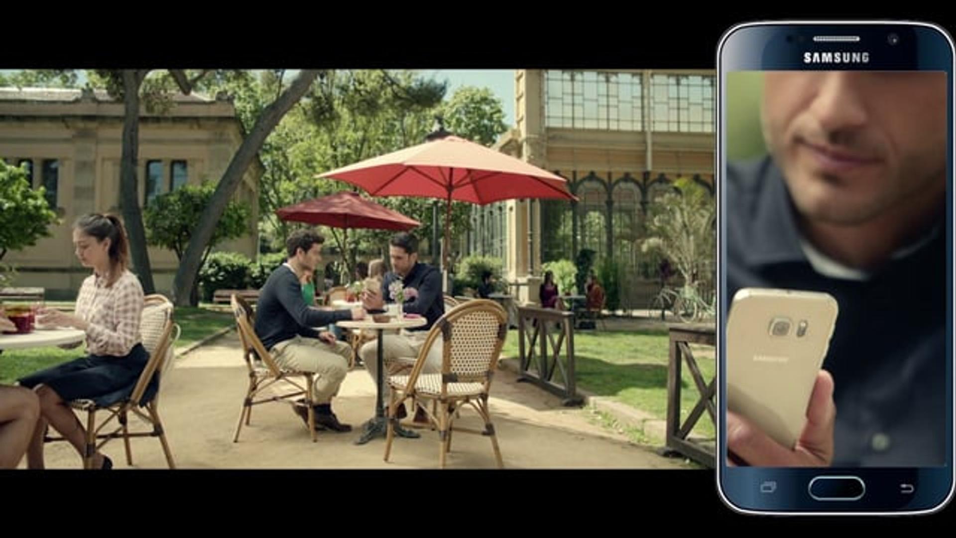 SAMSUNG GALAXY 'Clues - Dual' SCreen