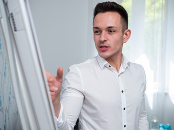 Kovács László - Follow Marketing portréfotózás