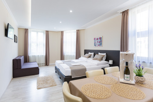 Végvár Apartman Gyula - interior fotózás, weboldal készítés