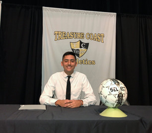 Daniel Moura making it officially official on signing day!