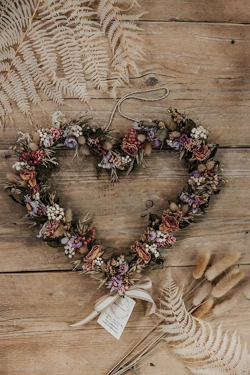 ghirlanda a cuore fiori rosa