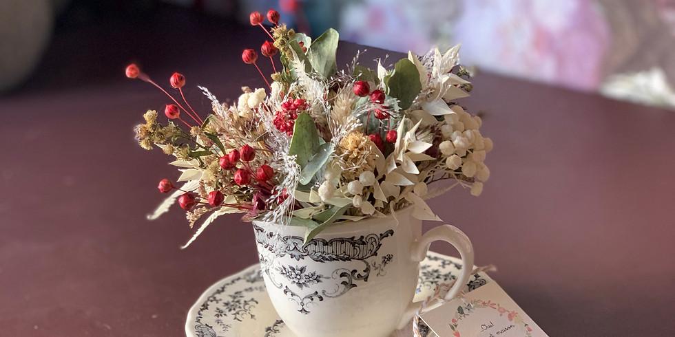 tazzina di fiori secchi
