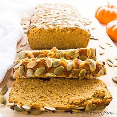 Spiced low-carb pumpkin bread