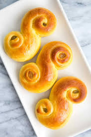 Keto Swedish saffron buns