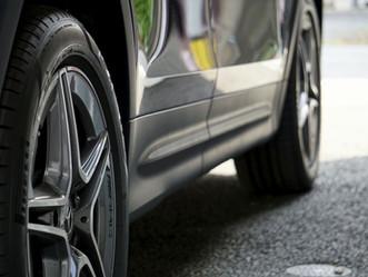 Mercedes-Benz The GLBのルーフレール、ウインドーモール、リップスポイラー、メッキパーツにカーラッピング/神奈川県伊勢原市I様