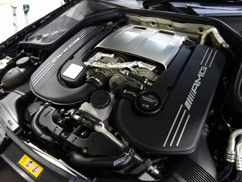 AMG C63s エンジン カーラッピング専門店 メタルスリーパー
