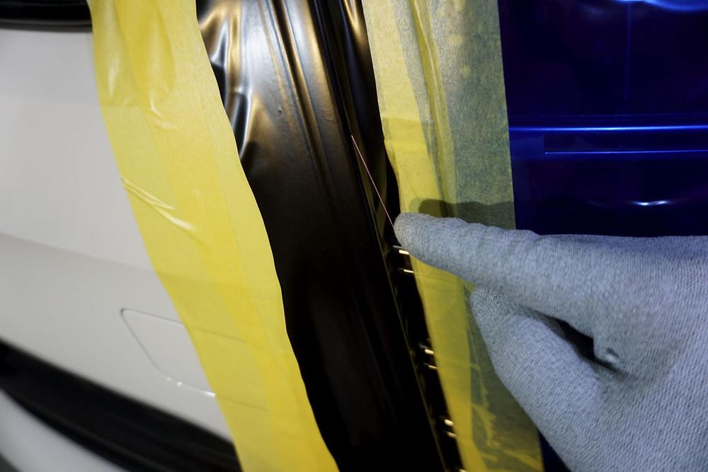 ナイフレステープを使用して安全安心な作業 カーラッピング専門店 プロテクションフィルムPPF施工 相模原 町田 横浜 八王子 平塚市 厚木市 茅ヶ崎市 藤沢市 綾瀬市 大和市 座間市 多摩市
