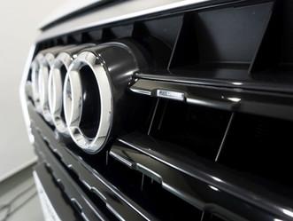 Audi Q7 フロントグリルにカーラッピング/神奈川県相模原市A様