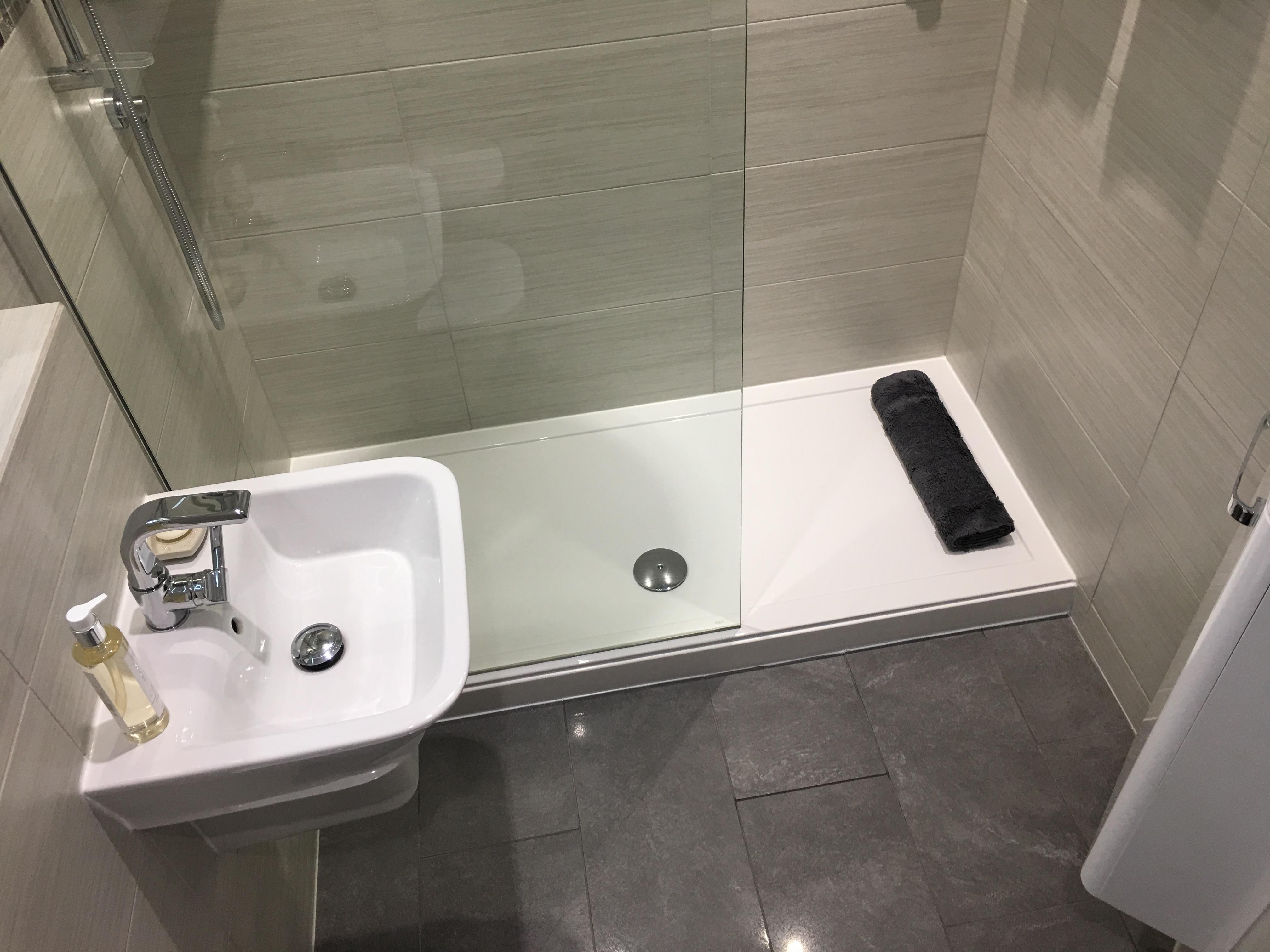 Bathroom L3