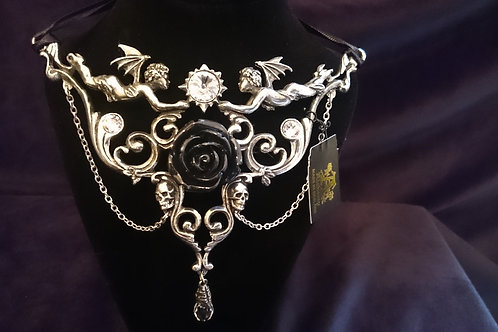 Necklace: Mesukmus
