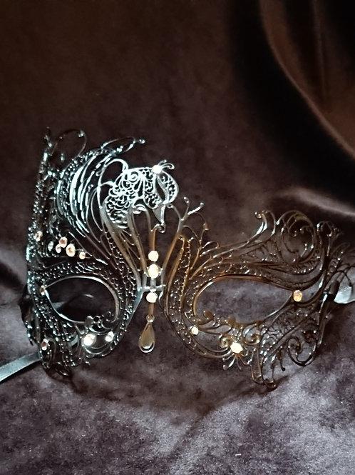 Mask LEDA with white Swarovski crystals