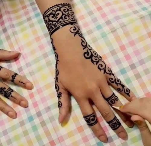 Fundraiser Henna Services