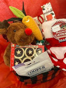 Reindeer Highland christmas dog box left