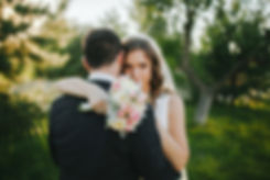 結婚式の抱擁