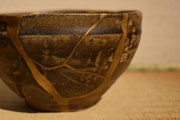 chawan tea bowl karatsu kintsugi yobitsugi view-1