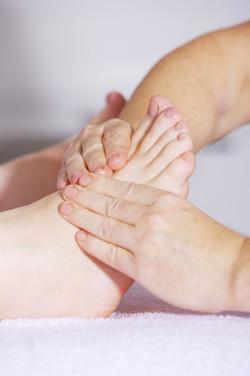 foot-massage-2133279_1280