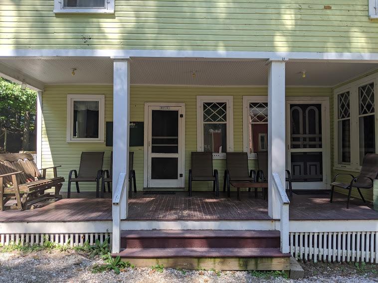 Tosebo porch