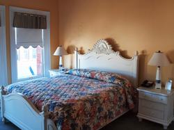 The Harbor Suite