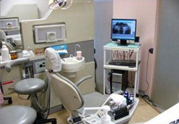 東浅川歯科診療所の診察室