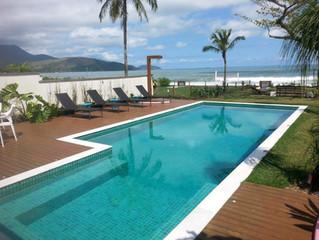 Análises físico-químicas e microbiológicas em piscinas