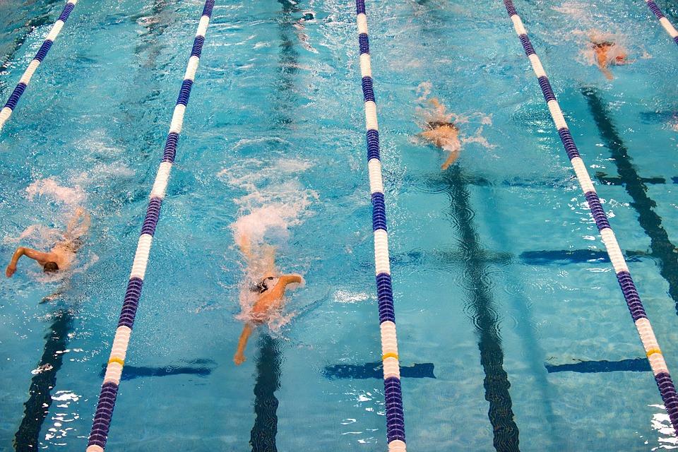 Testes microbiológicos em piscina