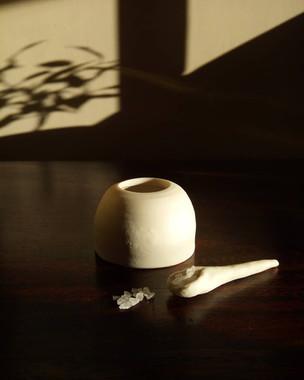 Porcelain salt pot