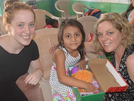 El Salvador, Samaritan's Purse – RaeAnne and Sophie Bekkers