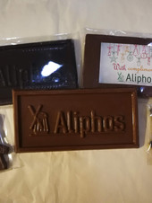 Шоколад с фирмрно лого
