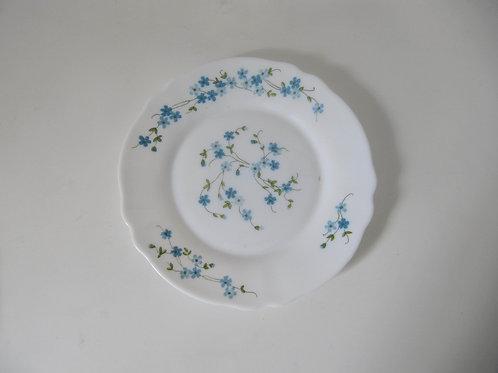 Assiette plate vintage Arcopal fleurs bleues