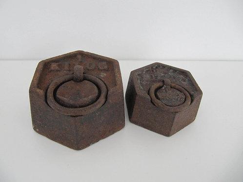 Poids en fonte ancien - 1kg et 1demi kg